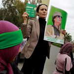 There're still Gaddafi's suporters who believe in the Dictator's rule