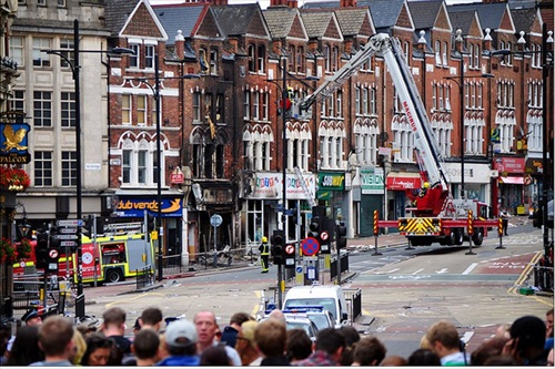 London-Riot-the-aftermath-of-midnight-fires-on-clapham-junction
