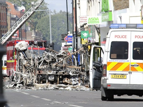 London-Riot-the-remains-of-a-double-decker-bus-set-alight