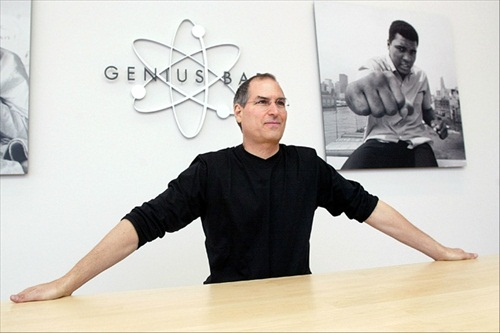 Steve Jobs Apple Store 2002