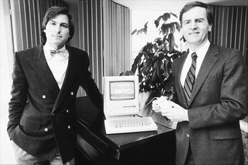 Steve Jobs (left) with John Scully