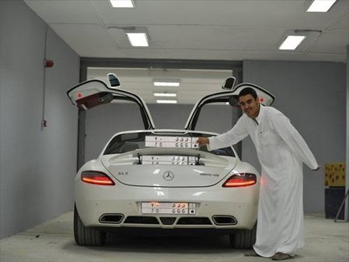 Dhiaa Al-Essa Super Cars Mercedez SLS