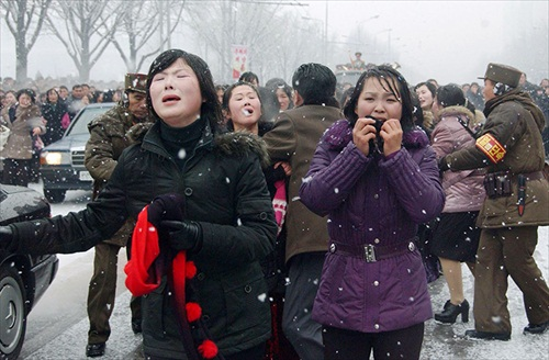 Kim-Jong-Il-Funeral_Weeping_Crowds