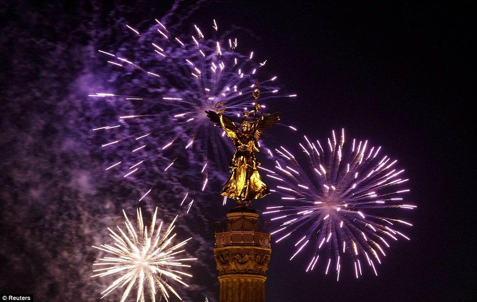 New Year 2012 Fireworks - Germany Berlin
