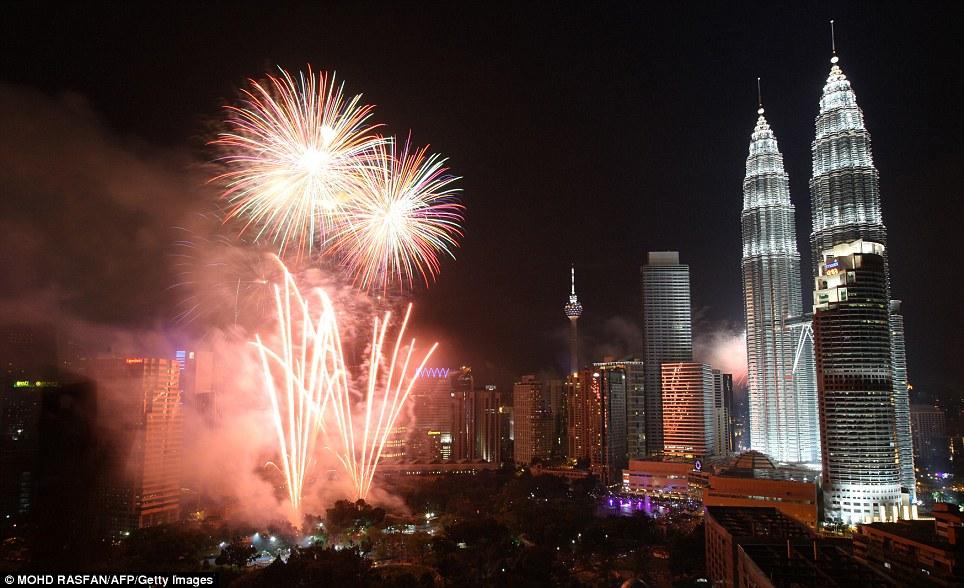 New Year 2012 Fireworks - Malaysia Kuala Lumpur