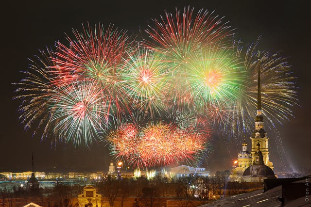 New Year 2012 Fireworks - Russia St.-Petersburg