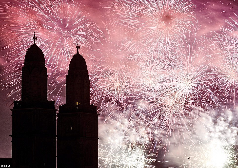 New Year 2012 Fireworks - Switzerland Zurich