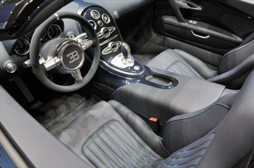 Geneva Motor Show 2012 Bugatti Veyron Grand Sport Vitesse - 5