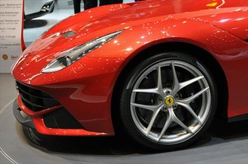 Geneva Motor Show 2012 Ferrari F12 Berlinetta - 9