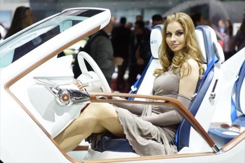 Geneva Motor Show 2012 Girls - 11