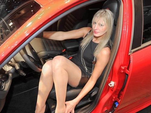 Geneva Motor Show 2012 Girls - 2