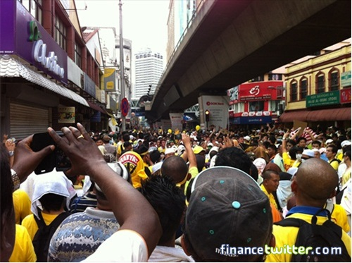 Bersih 3.0 FinanceTwitter Crowd Going to Dataran Merdeka 1
