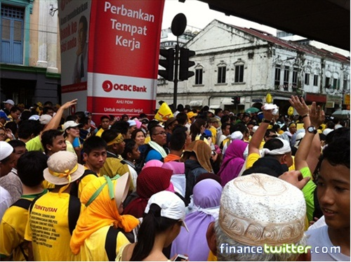 Bersih 3.0 FinanceTwitter Crowd Going to Dataran Merdeka 3