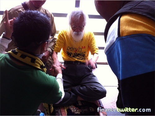 Bersih 3.0 FinanceTwitter Pak Samad Pasar Seni LRT Bridge
