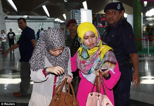 Malaysia MH370 Missing - Family Members Photo 3