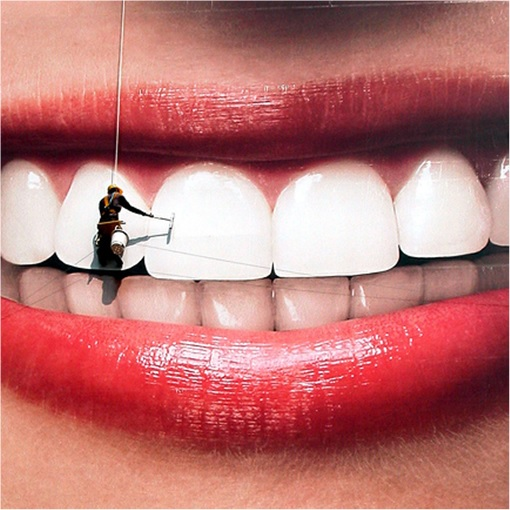 Contractor Whitening Teeth