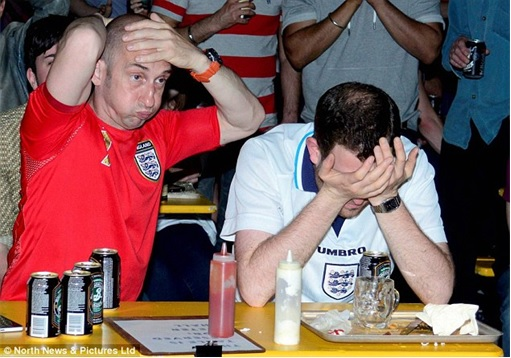 2014 FIFA World Cup - England Lost to Uruguay - Dejected England Fans 5
