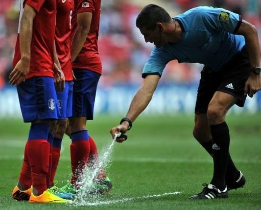 2014 FIFA World Cup High-Tech - Vanishing Spray