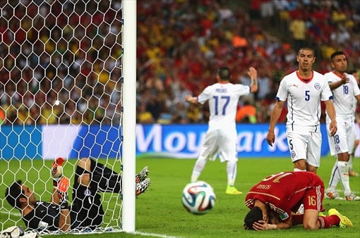 2014 FIFA World Cup - Sergio Busquets missed a sitter at the start of the second half