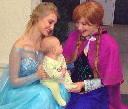 Anna Faith Carlson's resemblance to Queen Elsa and real-life sister Lexie - Frozen Movie - 2