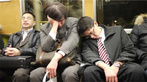 Japanese Culture - Drunken Sleeping in Public - 16