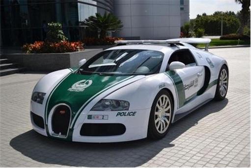 Exotic Dubai Police Force's Fleet of Supercars - Bugatti Veyron - 1