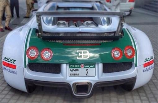 Exotic Dubai Police Force's Fleet of Supercars - Bugatti Veyron - 3