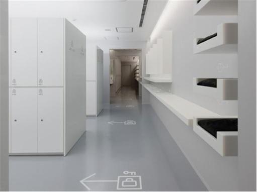 Japan Nine Hours Capsule Hotels - Locker Rooms