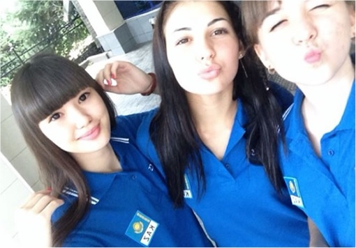 Kazakhstan Sabina Altynbekova - Volleyball Player Babe - pose with team mate kisses