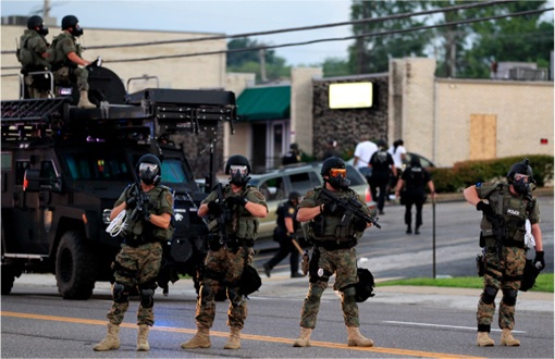 Ferguson Clashes - Ferguson Police Like Military Unit - In Full Gear 1