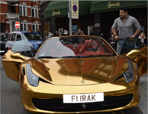 Gold Ferrari 458 Spider FI IRAK- Riyadh al-Azzawi with his car in front of Harrods