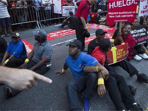 Fast Food Workers Strike - McDonald's - 5
