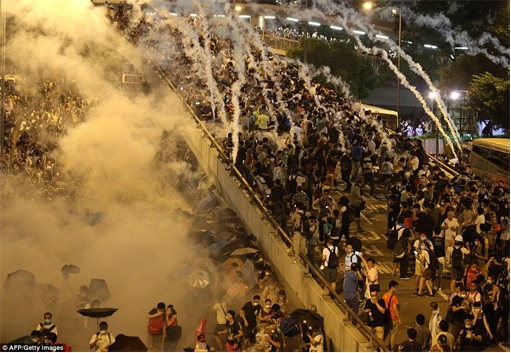 Hong Kong Demonstrations - Protestors tear gas - 7