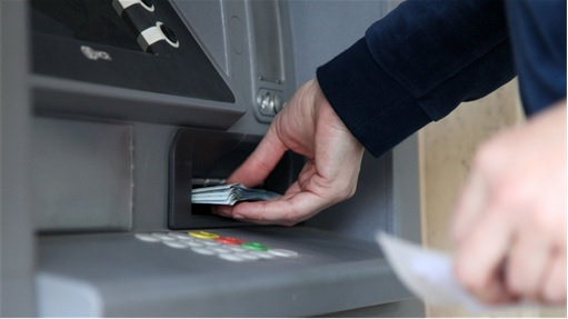 Malaysian ATM Hacked and Robbed - Taking Money from ATM