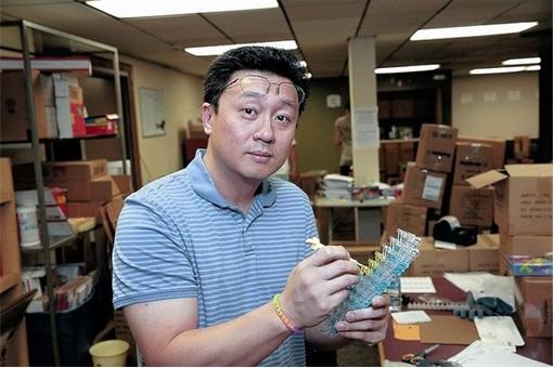 Rainbow Loom Cheong Choon Ng - showing how to make