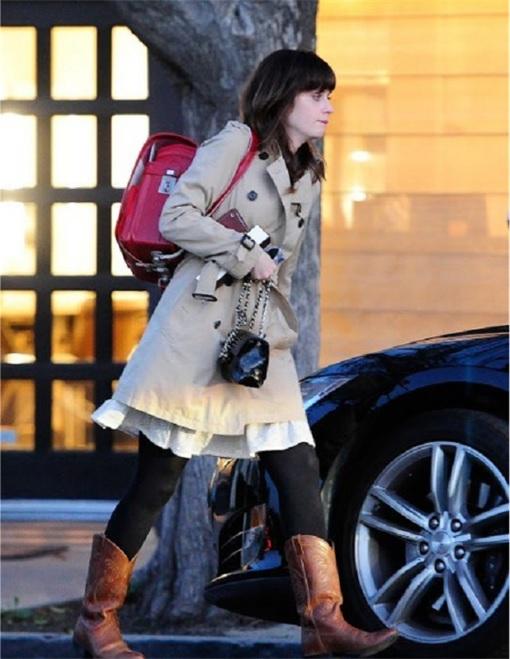 Randoseru backpack - American actress Zooey Deschanel