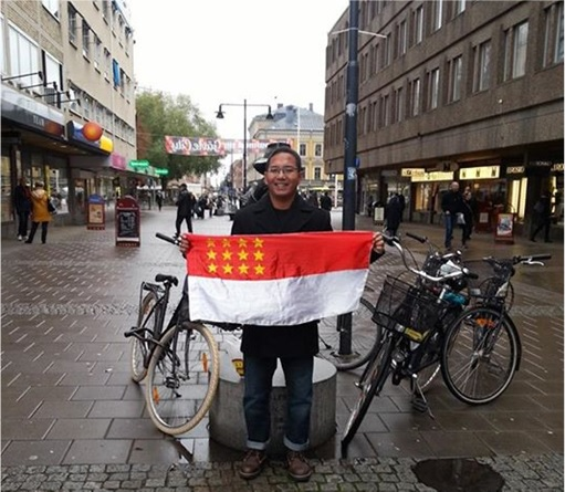 Ali Abdul Jalil Fled to Sweden - Fly Flag