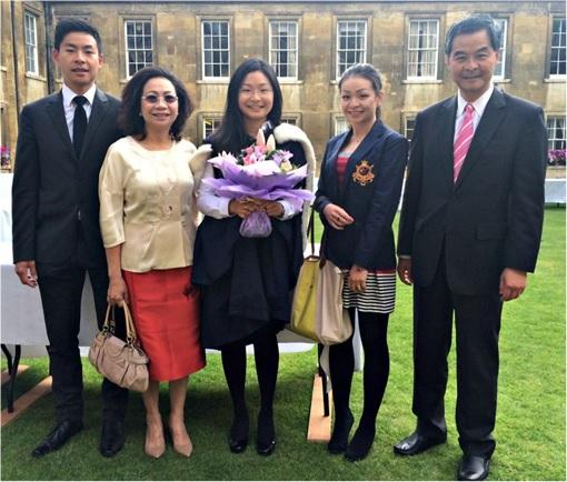Hong Kong CY Leung Corrupt Scandal - Photo with Family