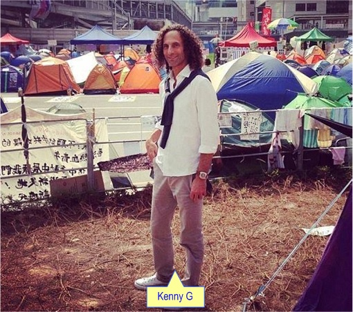 Kenny G at Hong Kong democracy protesters sites