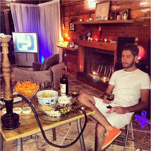 Rich Kids Of Tehran - At Home Drinking and Smoking