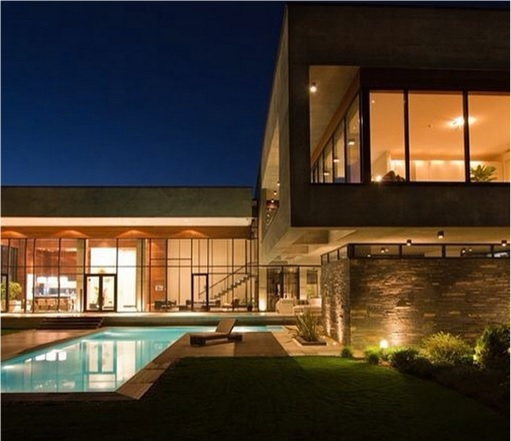 Rich Kids Of Tehran - Luxury Villa