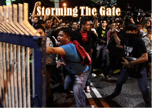 University Malaya - Storming the Gate