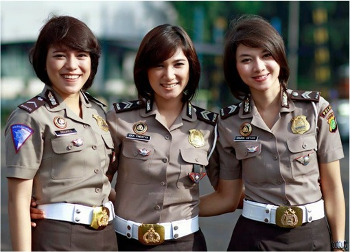 Indonesian Policewomen - Three Posing For Photos