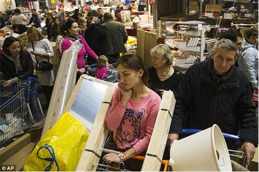 Ruble Tumbles - Russians Rushing to Buy at Ikea