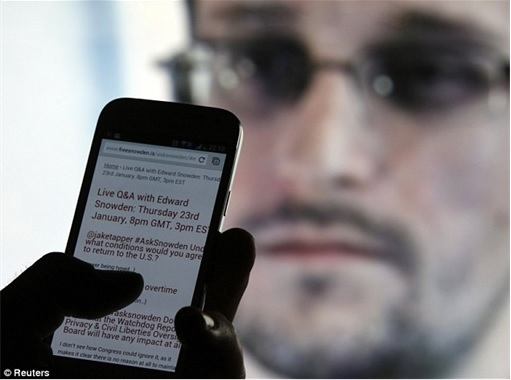 Edward Snowden Interview - Question over iPhone