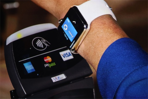 Apple Watch - pay with Apple Pay
