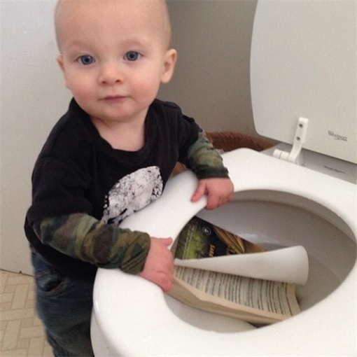 Kids Are The Worst - Book in Toilet