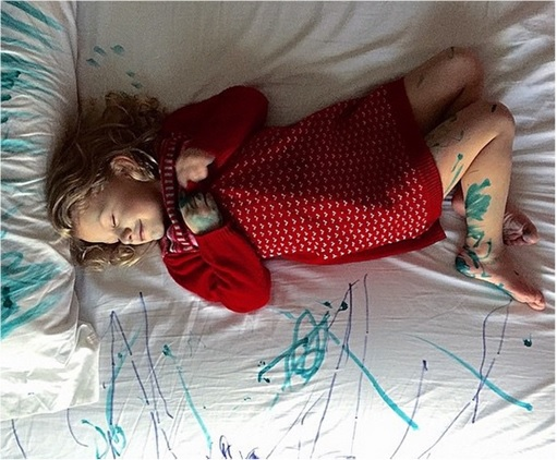 Kids Are The Worst - Sleeps After Drawing Bed Sheet