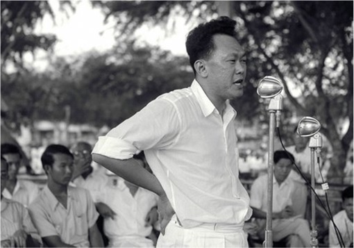 Lee Kuan Yew - Campaigning 2
