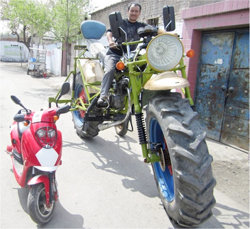 China Inventions - Giant Motorcycle